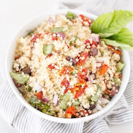 ... Basil Quinoa Salad with Lemon Garlic Vinaigrette from Katie @ Honestly