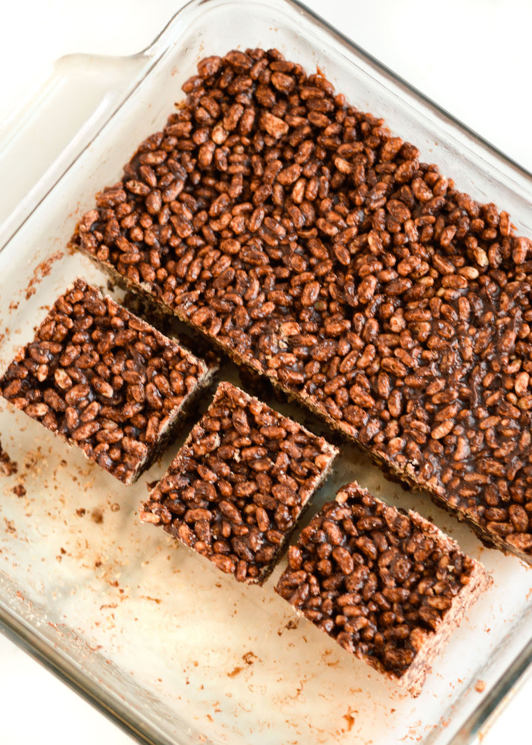 Peanut Butter Chocolate Crispy Squares | recipe | no-bake snack | gluten free, easy to make | peanut butter and dark chocolate combined with honey and crispy brown rice |the perfect sweet treat
