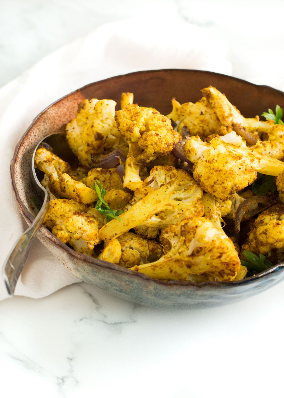 Easy Curried Roasted Cauliflower | side dish | recipe | cauliflower recipe | gluten free, vegan possible | easy to make