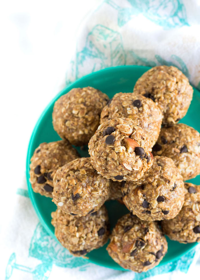 The Top 6 Recipes of 2016 | Gluten Free, Vegetarian, Easy to Make recipes | Toasted Coconut Almond Energy Bites