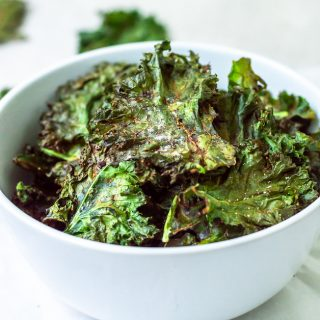 Crispy Garlic & Herb Kale Chips
